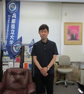中谷さん顔写真.jpg